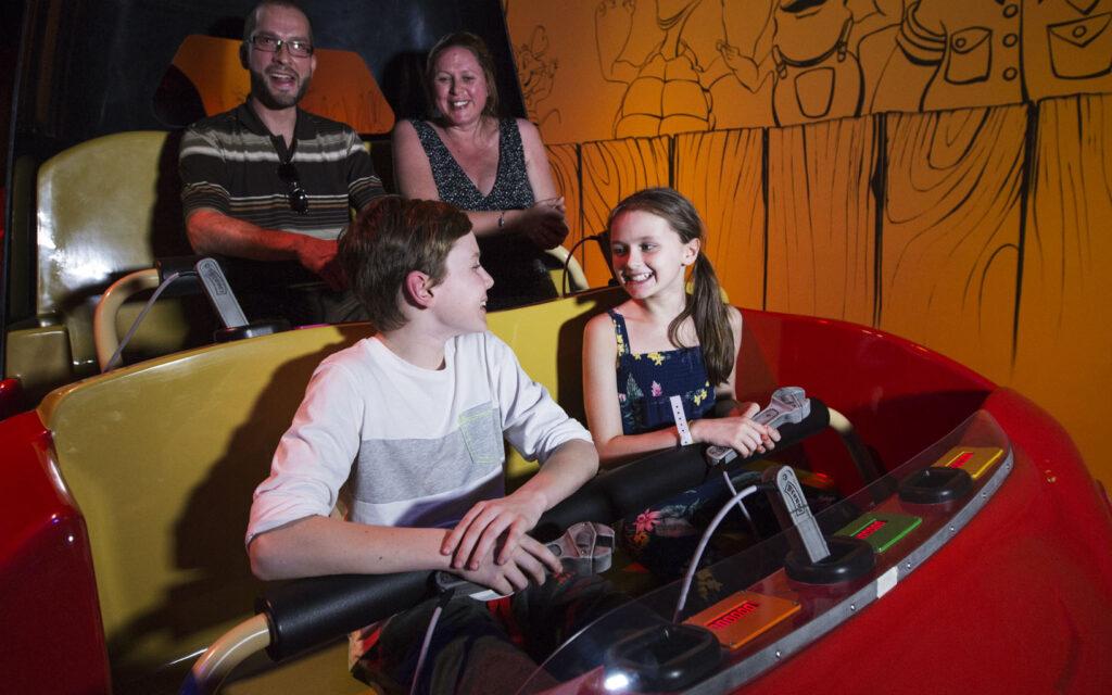 Benno's, Interactive Dark Ride, Vehicle